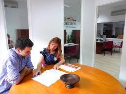 Servicios de apoyo inmobiliarios y empresas